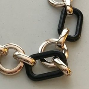 Jewelry - Gold & Black Large Link Necklace